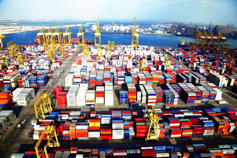 آسيا تستحوذ على 62% من تجارة الإمارات الخارجية