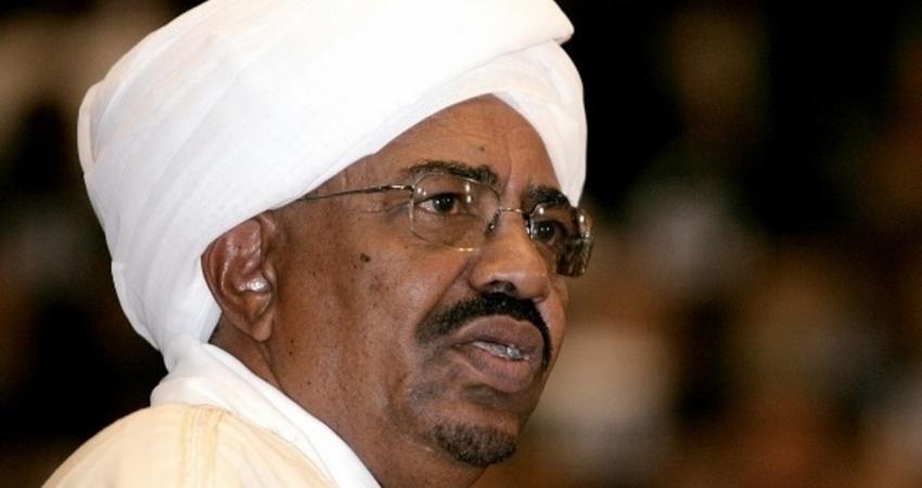 أنباء عن انقلاب عسكري في السودان ضد البشير.. وإعلام أبوظبي يحتفل