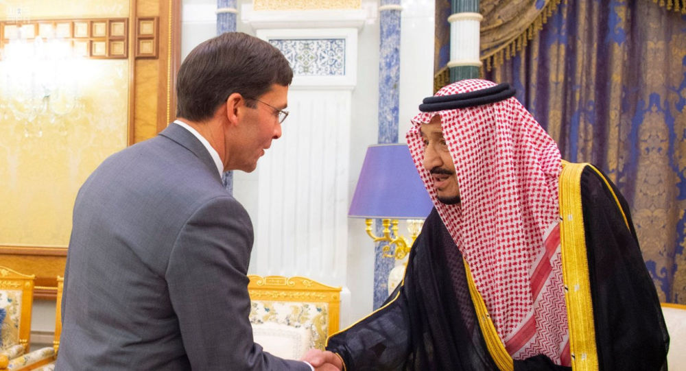العاهل السعودي يبحث مع مسؤول أمريكي مستجدات الأوضاع في المنطقة