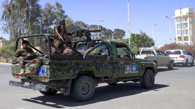 بدء انسحاب الحوثيين من موانئ الحديدة غربي اليمن