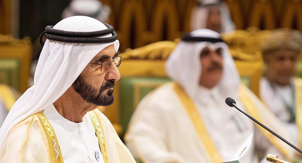 محمد بن راشد يمنح جوائز للخدمات الحكومية الأفضل ويعاقب الأسوأ