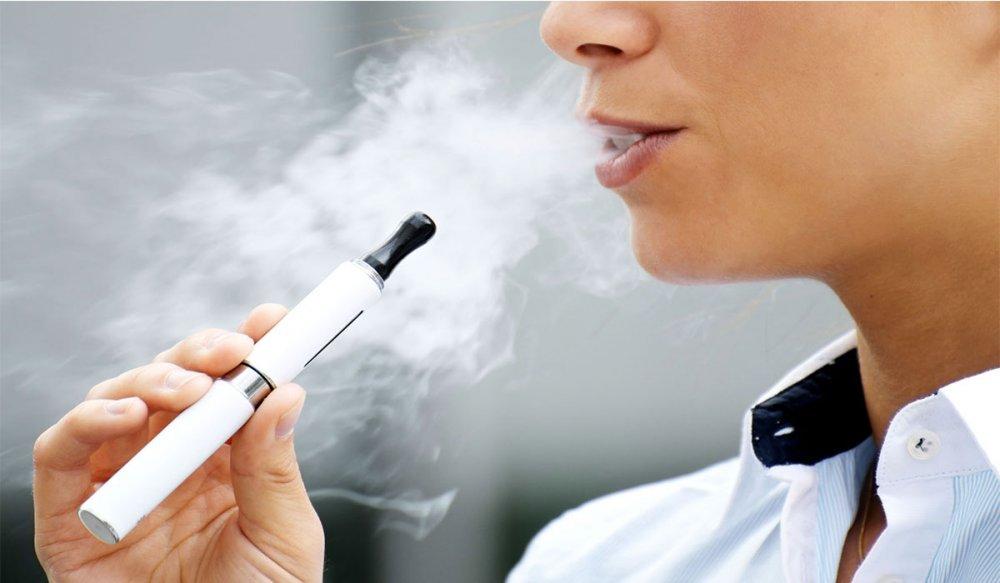 دراسة تربط بين السجائر الإلكترونية وأمراض القلب