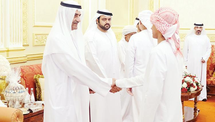 حاكم الفجيرة يواصل استقبال المهنئين بالعيد