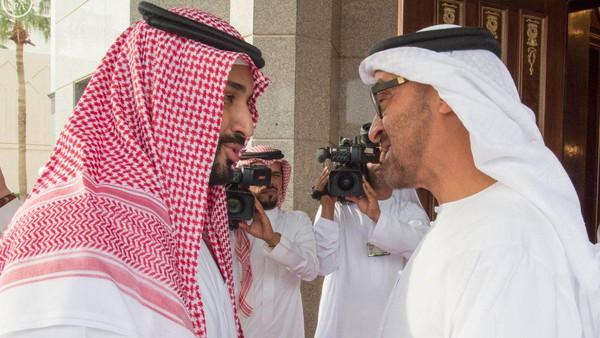 الإندبندنت: انقلاب عدن يهدد بتمزيق التحالف السعودي الإماراتي في اليمن