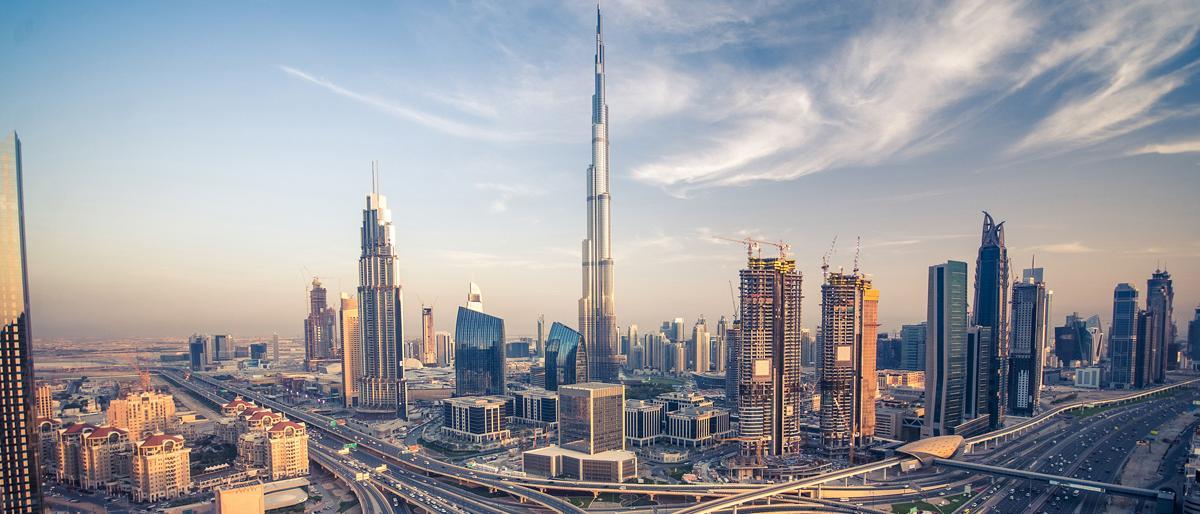 فايننشال تايمز تتحدث عن صعوبات تواجه اقتصاد دبي
