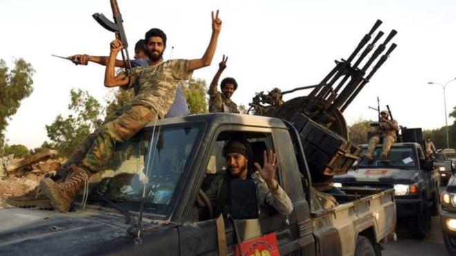 ليبيا.. مقتل 28 من قوات حفتر ودعوات لوقف القتال في طرابلس