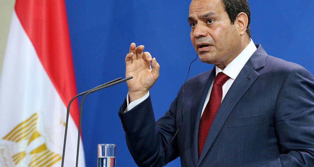 السيسي يحذر المصريين من الانتفاضة ضده على غرار أحداث 2011