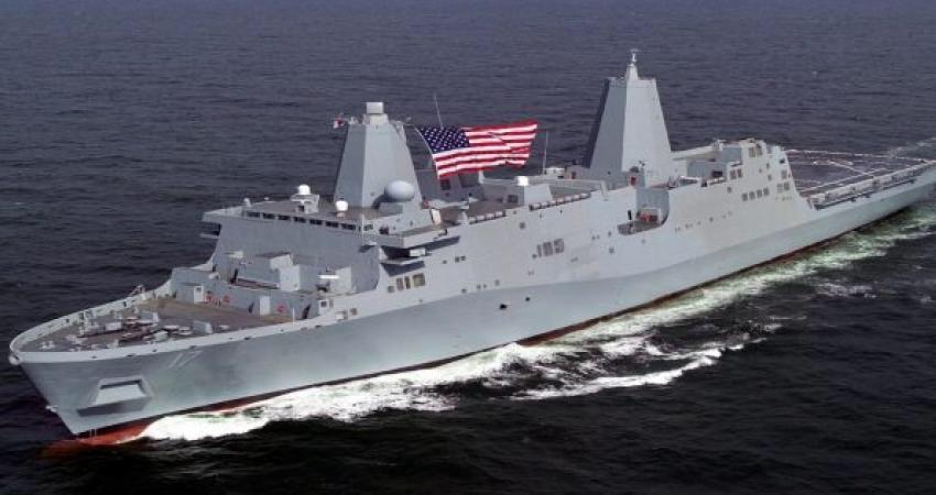 السفينة الحربية ألأمريكية بوكسر تصل الخليج محملة بمقاتلات إف-35