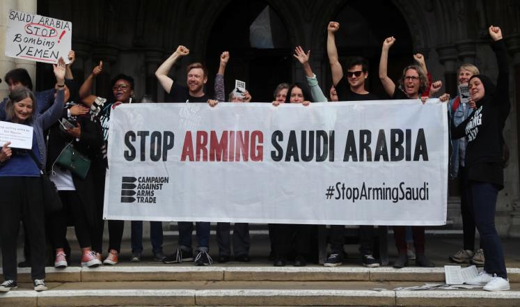 لندن تدعو الرياض للمشاركة بأكبر معرض للأسلحة رغم الحكم القضائي