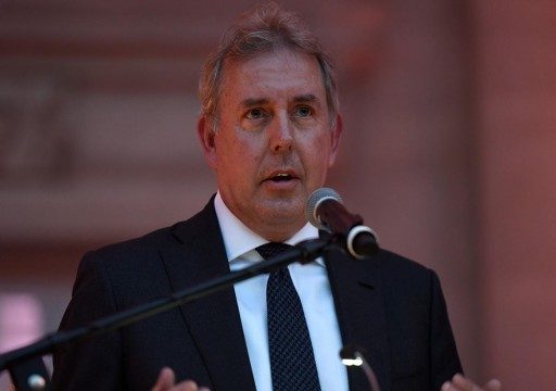بريطانيا تحقق في تسريب مراسلات أفضت لاستقالة سفيرها بواشنطن