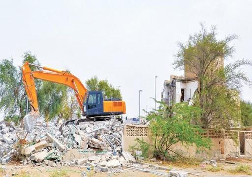 بلدية الظفرة تهدم 320 مبنى وتزيل 700 ألف طن مخلفات