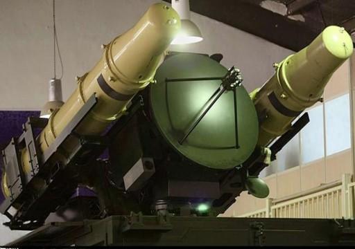 إيران تكشف عن منظومة دفاع صاروخي مطورة