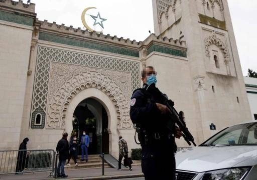 السلطات الفرنسية تعتزم إغلاق 7 مساجد وجمعيات بحلول نهاية العام