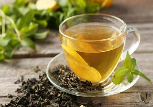 علماء: تناول الشاي الأخضر مفيد جداً للطعام