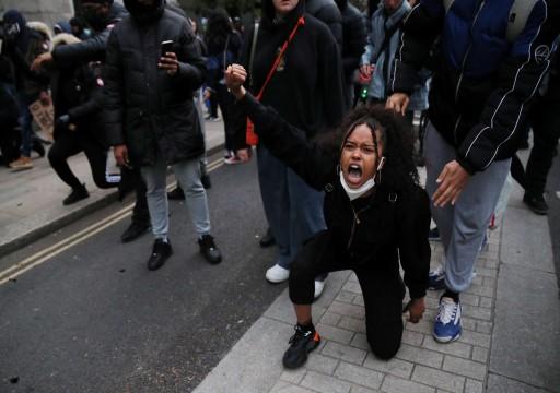 بريطانيا: احتجاجات لليوم الثاني ضد العنصرية والإطاحة بتمثال تاجر رقيق رورميه في نهر