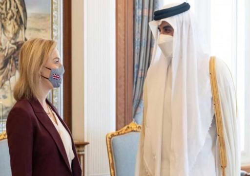 أمير قطر يبحث مع وزيرة الخارجية البريطانية الأمن في المنطقة