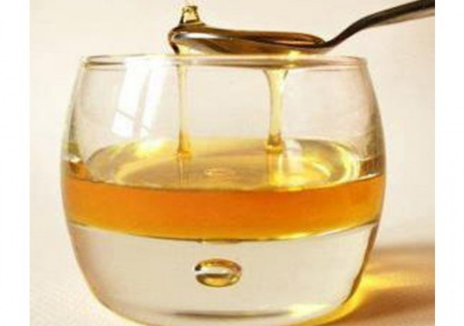 تعرف على فوائد شرب العسل مع الماء الدافئ على الريق