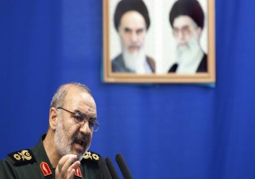 قائد الثوري الإيراني يقتحم الجزر المحتلة ويطلق تهديدات عنترية