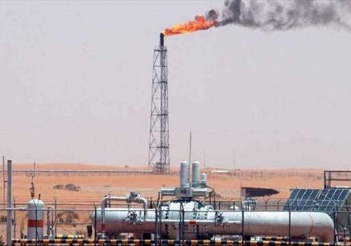 الكويت والعراق يبرمان عقدهما الأول لاستثمار حقول نفط مشتركة