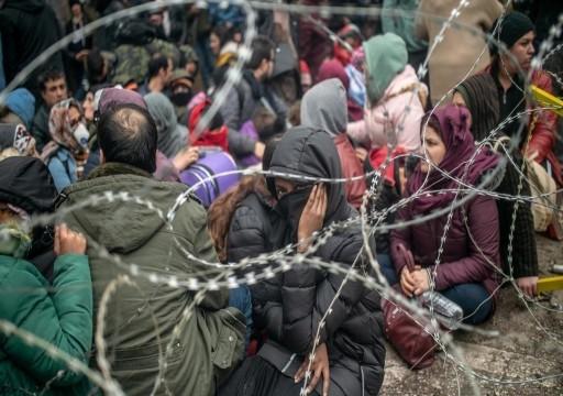 الاتحاد الأوروبي يعرض أموالا لاحتواء أزمة الهجرة وسط خلاف حول تركيا