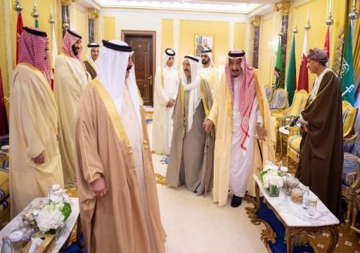 صحيفة: الكويت تعمل لتبريد الأزمة الخليجية ووقف الحملات الإعلامية الصارخة