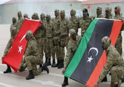 """أنقرة تتوعد """"دويلات في الخليج"""" وتتعهد بعدم الانسحاب من ليبيا"""