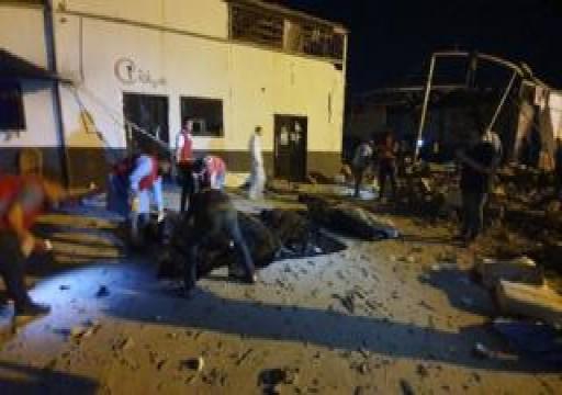 طيران حفتر يرتكب مجزرة بشعة بحق مركز احتجاز للمهاجرين بليبيا