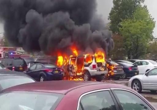 دبي..  الغيرة تدفع سائق لإشعال النار في 13 مركبة