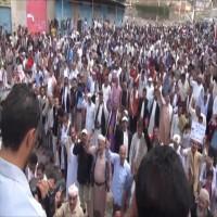 مظاهرات في تعز ضد استمرار الحصار وتعيين فلول في مؤسسات الدولة