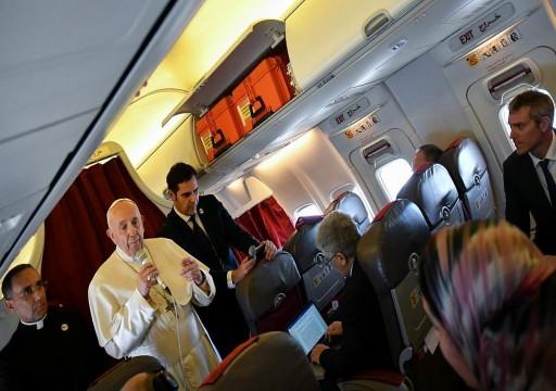 بابا الفاتيكان ينتقد تصدير الأسلحة لحرب اليمن