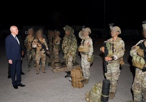 الرئيس التونسي يتوعد المتآمرين على الشرعية: الجيش جاهز للمواجهة