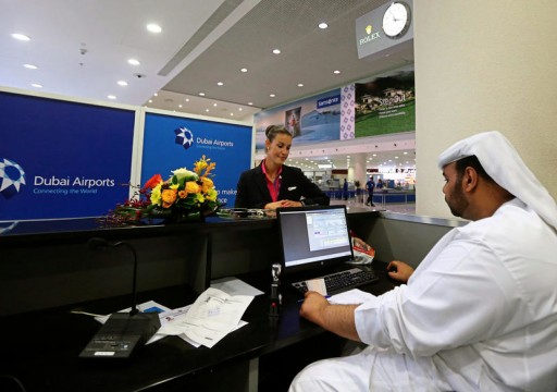 تقرير: مقيمون بدبي في سباق للعثور على وظيفة تبقيهم في البلاد