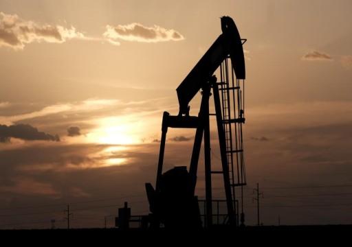 أسعار النفط ترتفع بسبب تراجع المخزونات الأمريكية
