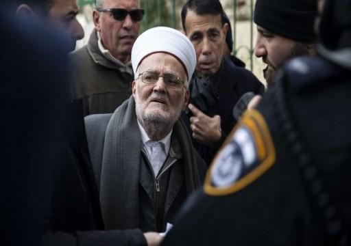 مخابرات الاحتلال الإسرائيلي تهدد خطيب المسجد الأقصى