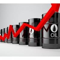 النفط يصعد مع انخفاض المخزونات الأمريكية وأزمة إيران