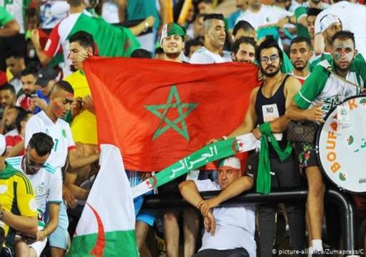 بعيدا عن السياسة.. مغاربة يشاركون الجزائريين فرحة التأهل بأمم أفريقيا