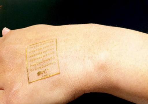 باحثون يطورون جلداً صناعياً إلكترونياً يتفاعل مع الألم