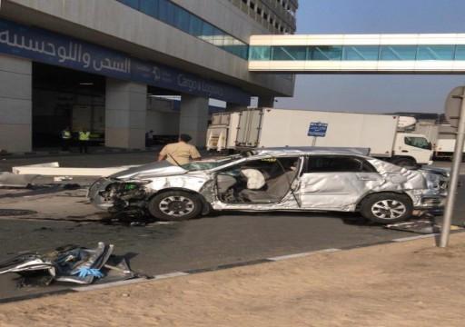 وفاة آسيوي بعد سقوط مركبته من مبنى قرية الشحن بدبي