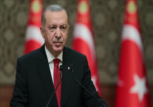 """أردوغان يصف دور أبوظبي في ليبيا """"بالقرصنة"""" ويندد بالسيسي"""