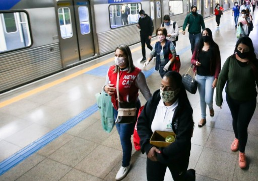 كيف تحمي نفسك من كورونا خلال استخدام وسائل النقل العام؟