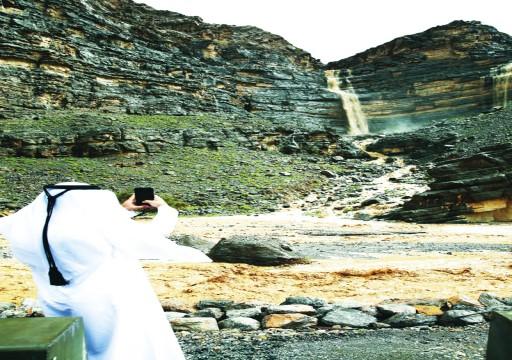 الأمطار تعم الإمارات.. وانحسار الحالة الجوية اليوم
