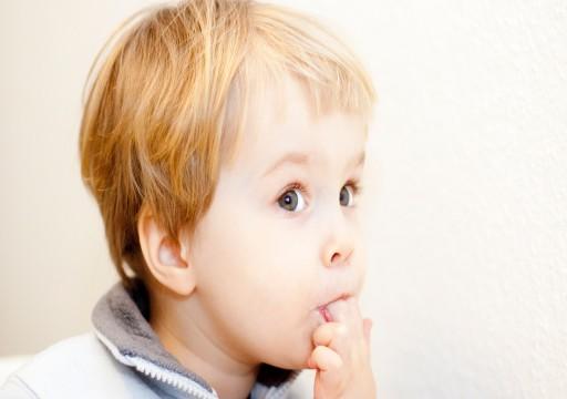 لماذا يمص الأطفال أصابعهم؟