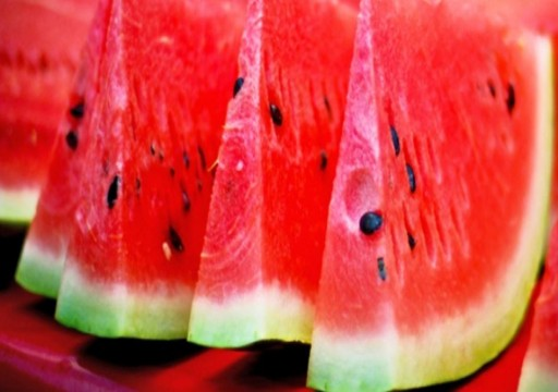 10 أسباب تجعلك تأكل البطيخ في فصل الصيف