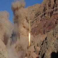 الحوثيون يزعمون إطلاق صاروخ باليستي على قاعدة عسكرية جنوب اليمن