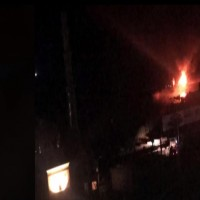 غارات إسرائيلية تستهدف موقعاً لكتائب القسام وميناء الصيادين بغزة