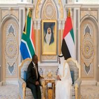 محمد بن زايد يبحث مع رئيس جنوب أفريقيا تعزيز علاقات التعاون