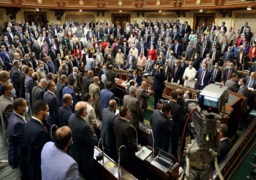 """البرلمان المصري يوافق على قيام الجيش بـ""""مهام قتالية"""" في الخارج"""
