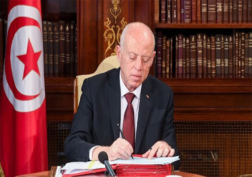 محمد بن زايد والرئيس التونسي يبحثان إجراءات البلدين لاحتواء «كورونا»