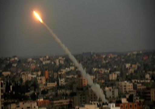 سقوط صاروخ أطلق من غزة قرب السياج الفاصل مع إسرائيل