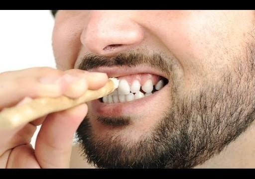 7 عادات يومية للحفاظ على بياض أسنانك
